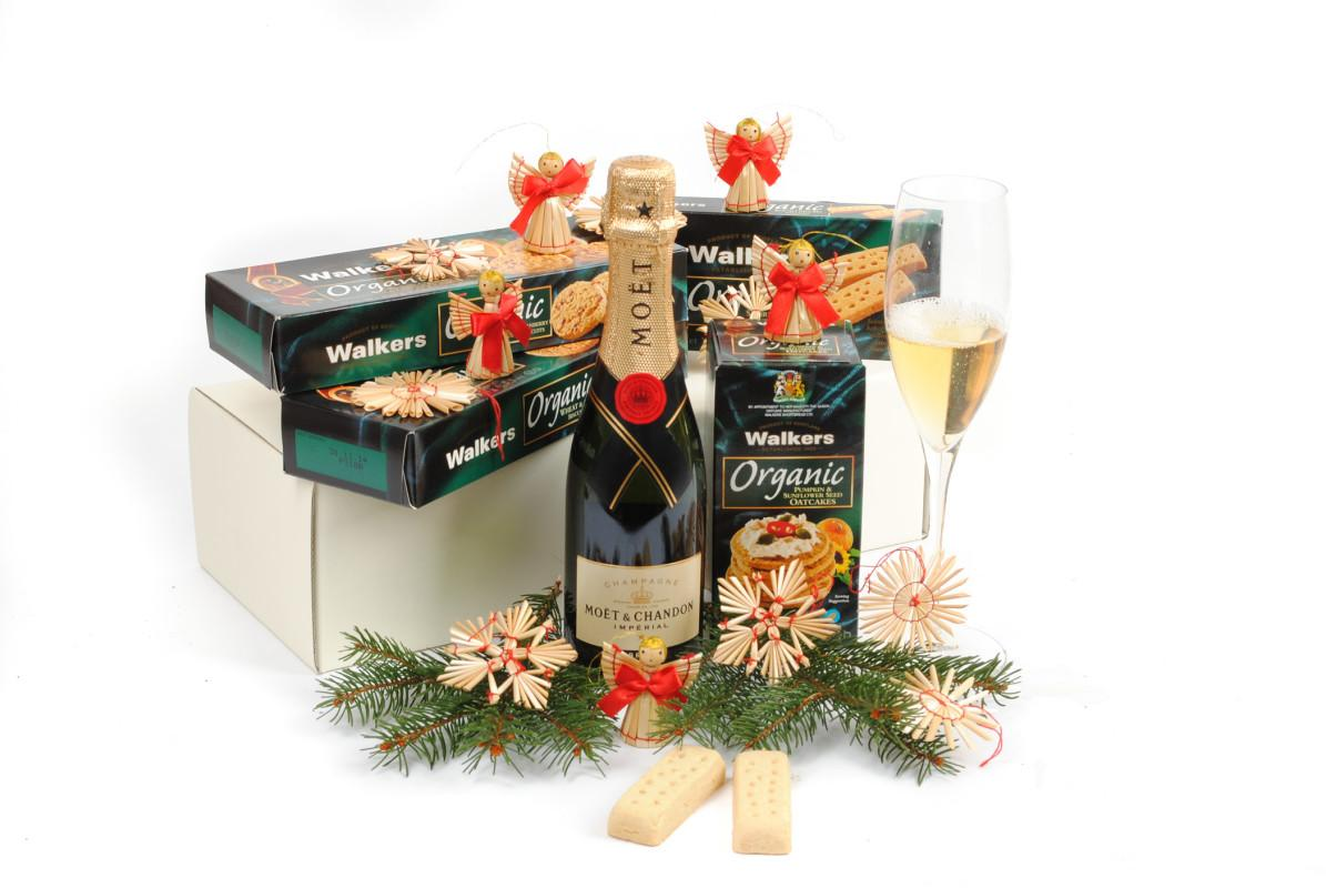 Christmas Gift Baskets | SendGiftBasket – Delivering Gifts Across Europe